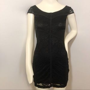 Divided sexy black laced dress